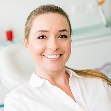 Smiling woman at the dentist